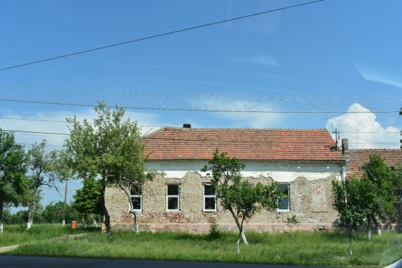 The outside of the Wisenheid schoolhouse.