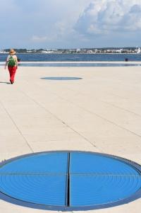 Planet sculpture
